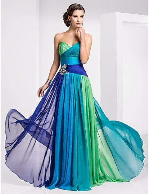 Szilveszteri ruhák extravagáns hölgyeknek 3d65fb4d9d